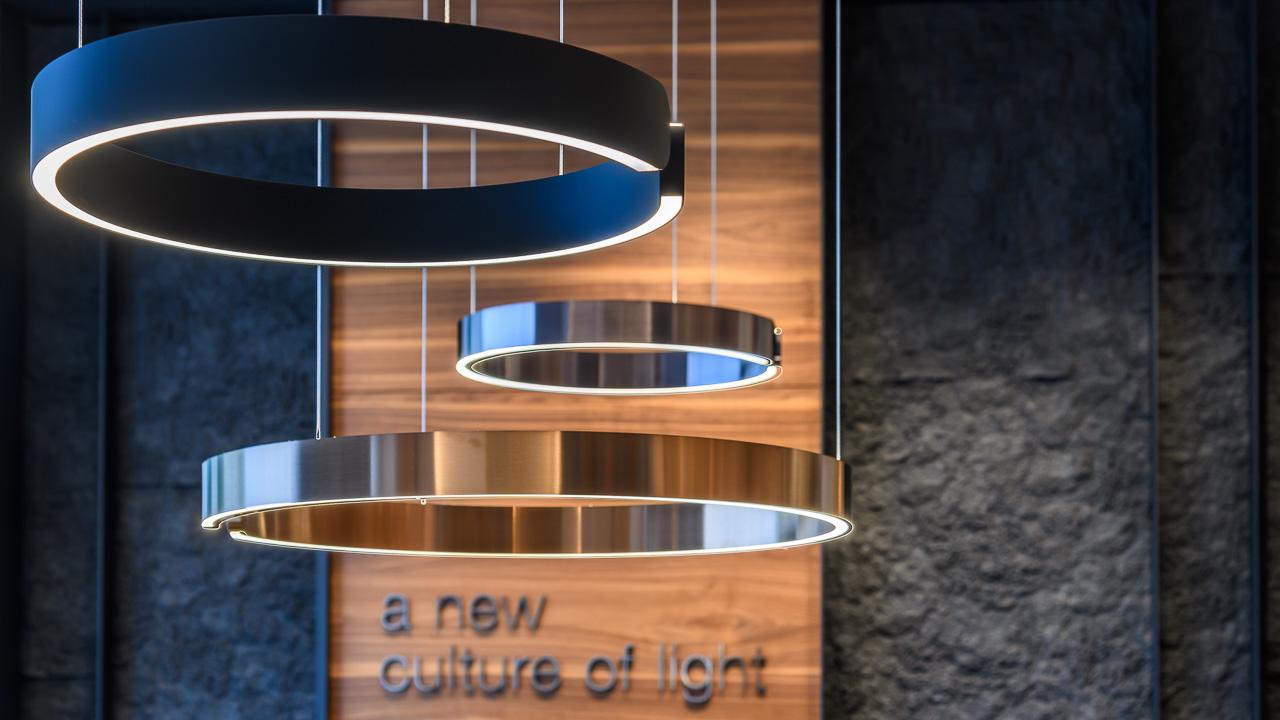 Hängeleuchten Occhio Mito sospeso im Beleuchtungsstudio Lichtland in Essen